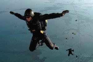 skydiving-665020_960_720